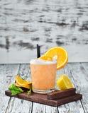 Whisky Sauer Alkoholisches Cocktail in einem Glas lizenzfreie stockfotos