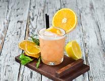 Whisky Sauer Alkoholisches Cocktail in einem Glas lizenzfreies stockfoto