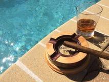 Whisky, Sigaren, en Zonneschijn Stock Foto's