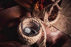 Whisky starzejący się elita alkohol na drewnianym tle obrazy royalty free