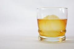 Whisky su ghiaccio Immagini Stock