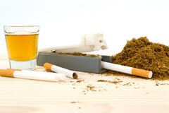 Whisky, Tabak und Zigarette Stockbild