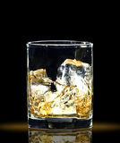 Whisky und Eis Lizenzfreie Stockfotos