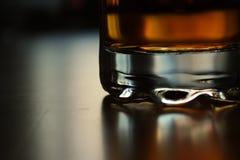 Whisky in vetro fotografia stock libera da diritti