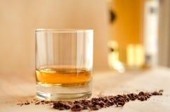 Whisky y chocolate Imágenes de archivo libres de regalías