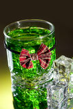 Whiskyglas mit Querbinder Stockfotos