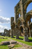 Whitby Abbey i North Yorkshire UK Arkivfoto