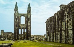 Whitby Abbey Ruins y cementerio históricos Fotografía de archivo