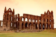 Whitby Abbey slott, förstörd Benedictineabbotskloster som placeras på Whitby ` s Royaltyfri Bild