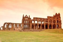 Whitby Abbey slott, förstörd Benedictineabbotskloster som placeras på Whitby ` s Royaltyfri Foto