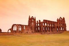 Whitby Abbey slott, förstörd Benedictineabbotskloster som placeras på Whitby ` s Fotografering för Bildbyråer
