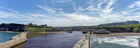 Whitby Harbour Harbor- und Stadtpanorama Stockbild