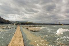 Whitby Harbour Wall stock foto's