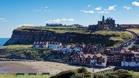 WHITBY NORR YORKSHIRE/UK - AUGUSTI 22: Sikt av Whitby North Yo Royaltyfria Foton