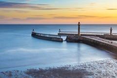 Whitby Pier North Yorkshire, het UK royalty-vrije stock foto