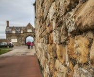 Whitby, vecchia pietra alloggia l'esterno della città - un primo piano di una parete Immagini Stock Libere da Diritti