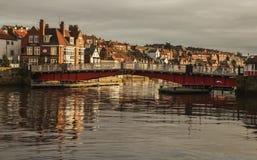 Whitby, Yorkshire, Inglaterra - un puente Fotos de archivo libres de regalías