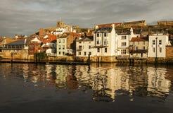Whitby, Yorkshire, Inglaterra - una tarde soleada Imagenes de archivo