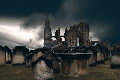 Whitbyabdij en begraafplaats stock foto