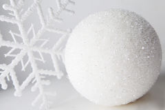 Free White Bauble Royalty Free Stock Photography - 27850467