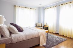 White Bed Comforter during Daytimne Stock Photography