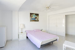 White bedroom interior Royalty Free Stock Photos
