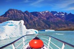 White-blue huge iceberg Royalty Free Stock Photos
