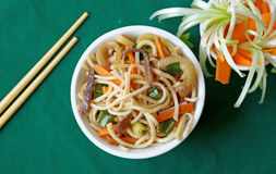 White bowl with Chinese noodles Stock Photography