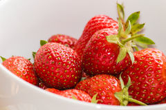 White bowl with ripe strawberries Royalty Free Stock Photos
