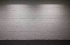 White brick wall with dim lighting Royalty Free Stock Photography
