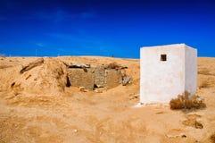White building in Sahara desert, Tunisia, North Africa Stock Photos