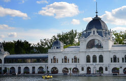 White building of Topart Cafe near Varosliget lake in Budapest, It's main entrance is Heroes' Square Stock Images