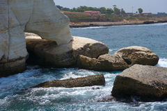 The white chalk cliffs of Rosh ha-Hanikra Stock Photos