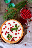 White chocolate cheesecake tart with cranberries Stock Photography