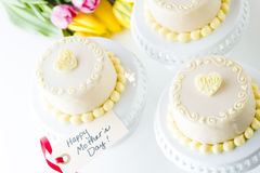 White chocolate honey lavender cake Stock Images