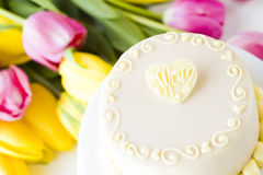 White chocolate honey lavender cake Royalty Free Stock Images