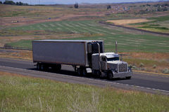 White Classic Peterbilt / White Unmarked Trailer Royalty Free Stock Photography