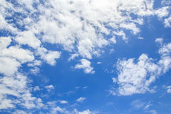 White cloud and blue sky background Royalty Free Stock Photo