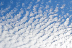 White clouds and blue sky background Royalty Free Stock Photos