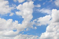 White clouds in the blue sky Royalty Free Stock Images