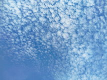 White clouds and blue sky Royalty Free Stock Photography