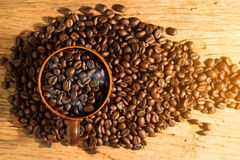White cup of coffee and coffee bean Stock Photography