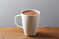 White cup of hot chocolate Royalty Free Stock Photos