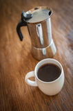 White cups and coffee plunger Royalty Free Stock Photography