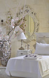 White decorated bedroom Royalty Free Stock Photos