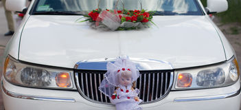 White decorated wedding car Royalty Free Stock Photography