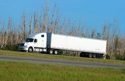 White eighteen wheeler Royalty Free Stock Photos