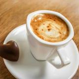 white för bana för bakgrundskaffekopp espresso isolerad Fotografering för Bildbyråer