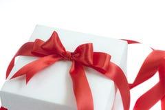 white för band för bowask gåva isolerad röd Royaltyfria Foton