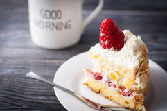 white för cakefruktisolering Fotografering för Bildbyråer